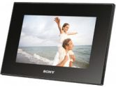 """Sony's DPFA72 7"""" Digital Photo Frame featuring a WQVGA LCD and supporting Memory Stick PRO media, SD, and xD-Picture Card (SONY: DPFA72)"""